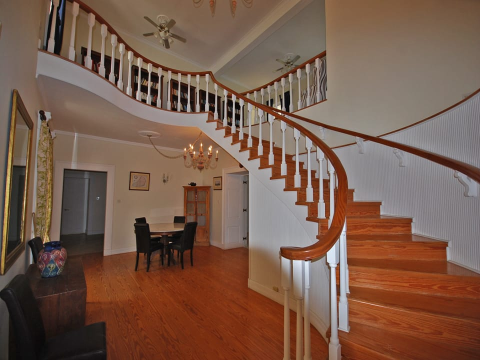 stairwell up