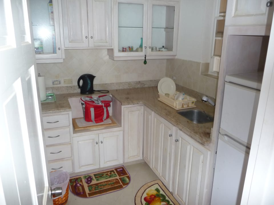 KITCHENETTE  IN MASTER BEDROOM