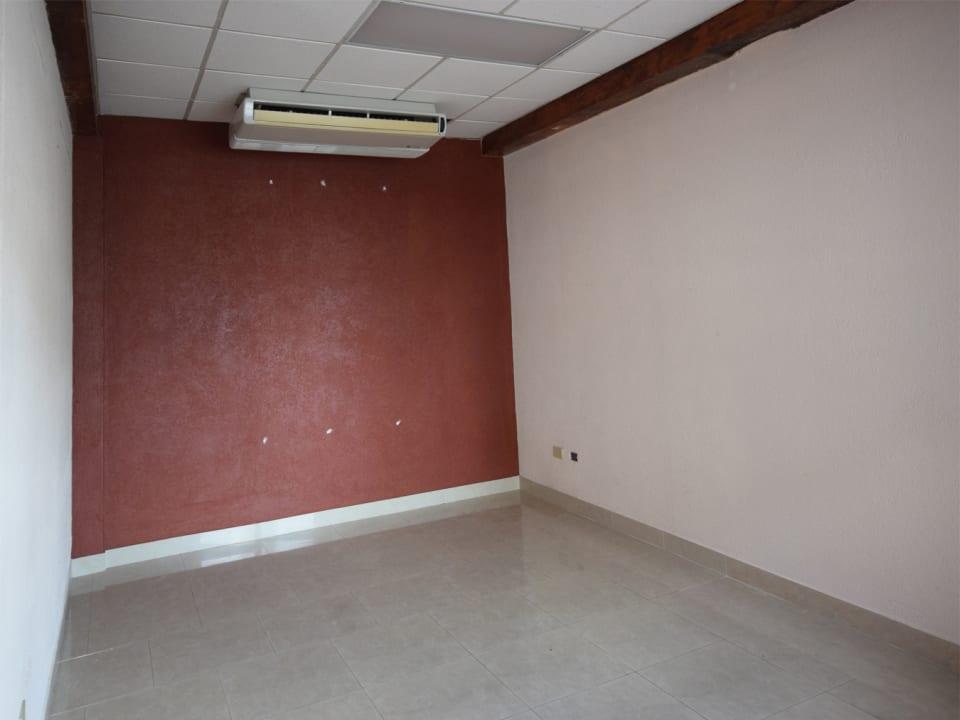 988 sq.ft. of ground floor space