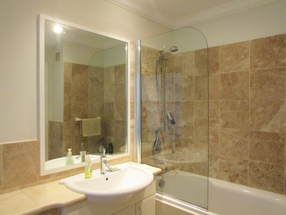 Bathroom with quality finishes