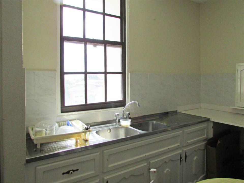 Kitchenette/Wash Room