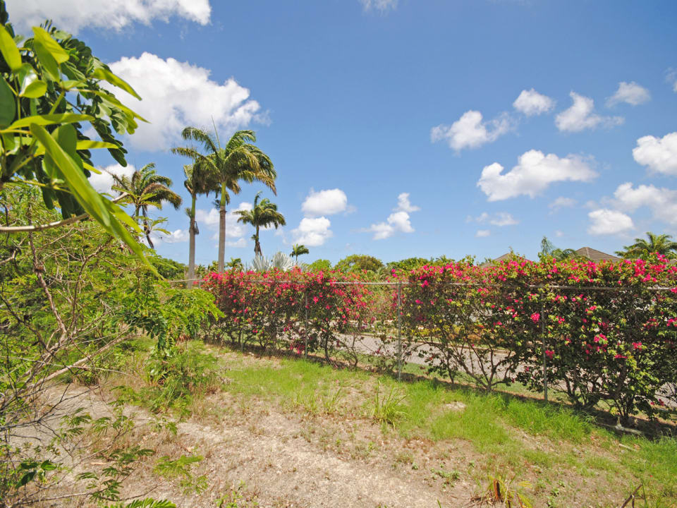 Boundary between lot 10 and Royal Westmoreland