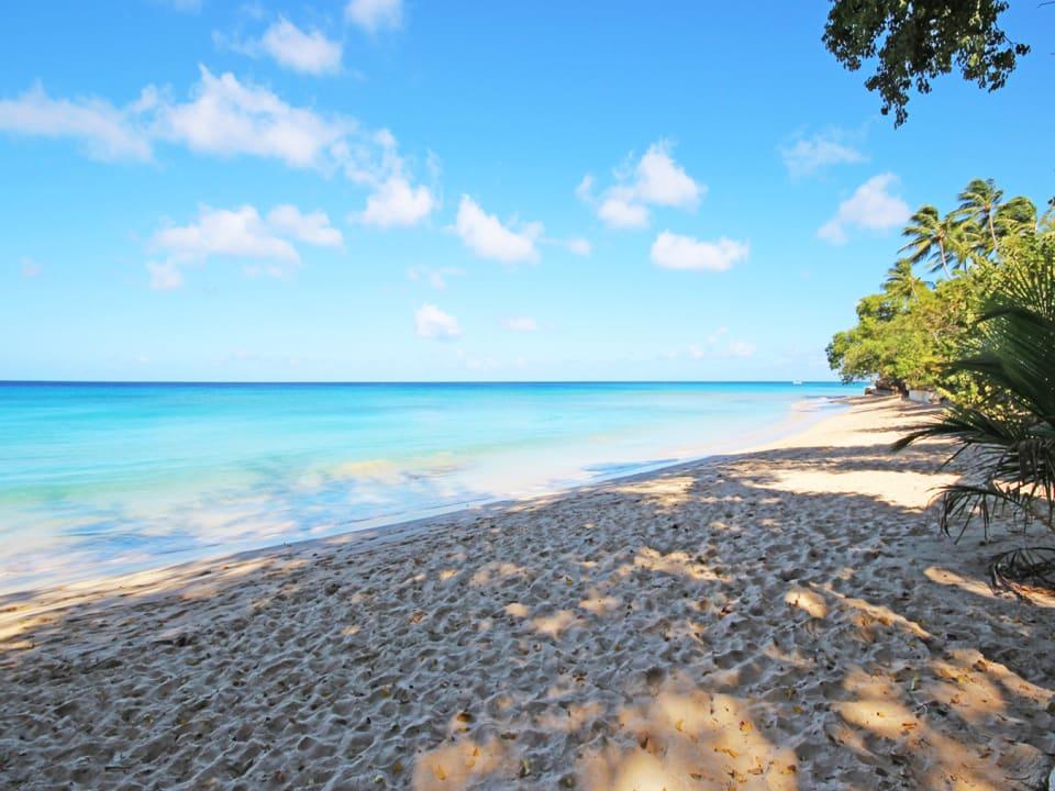 Beautiful Gibbs beach a 10 walk away