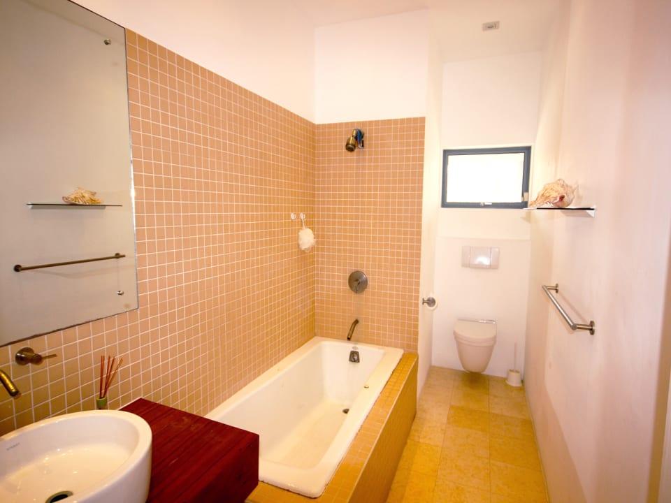 Downstairs shared bathroom