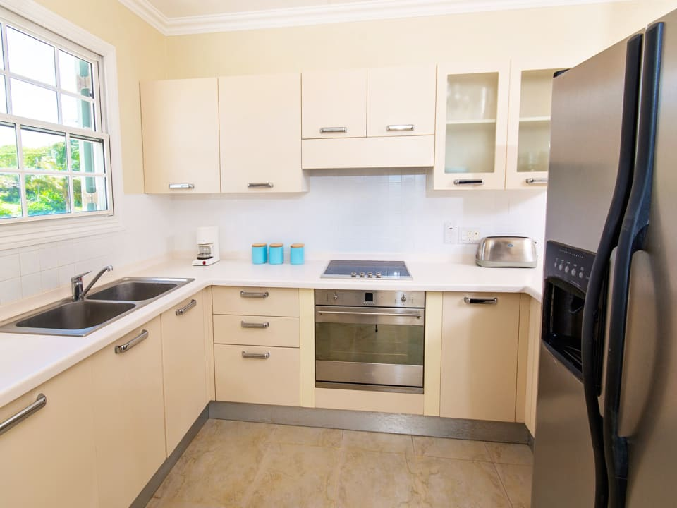 Modern Kitchen with built in cooker and hob