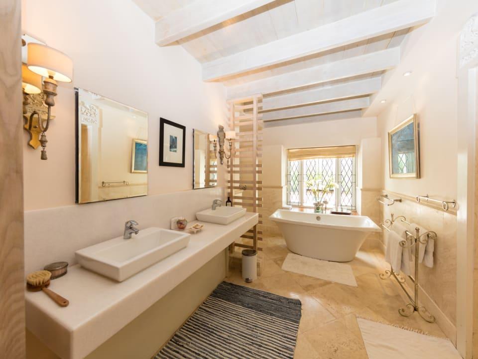 Master spa bathroom