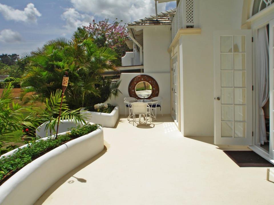 Full length patio