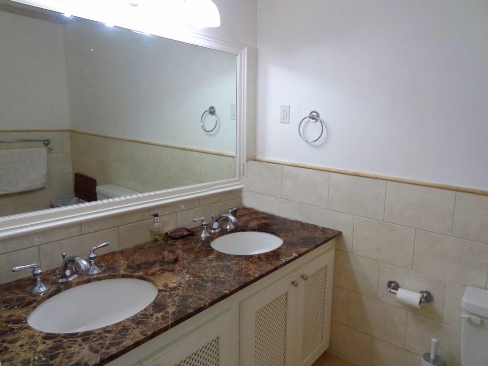 Powder room with double vanity
