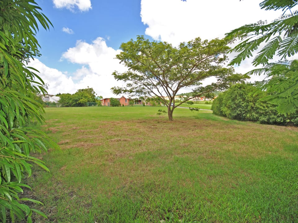 Attractive land lot