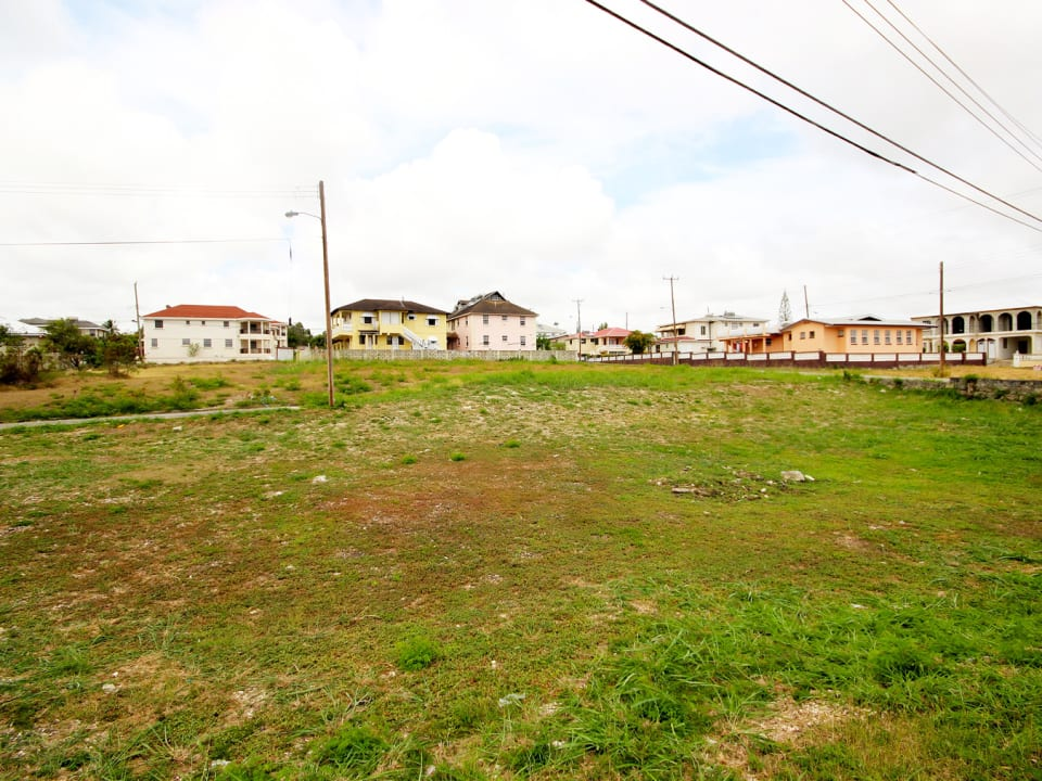 Level plot with view of neighbouring properties