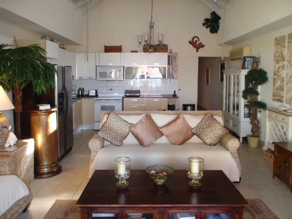 White Sands F3 - spacious open plan living room and kitchen