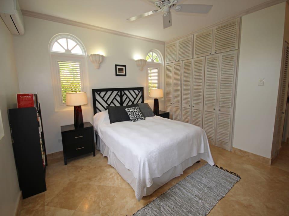 Downstairs en suite bedroom