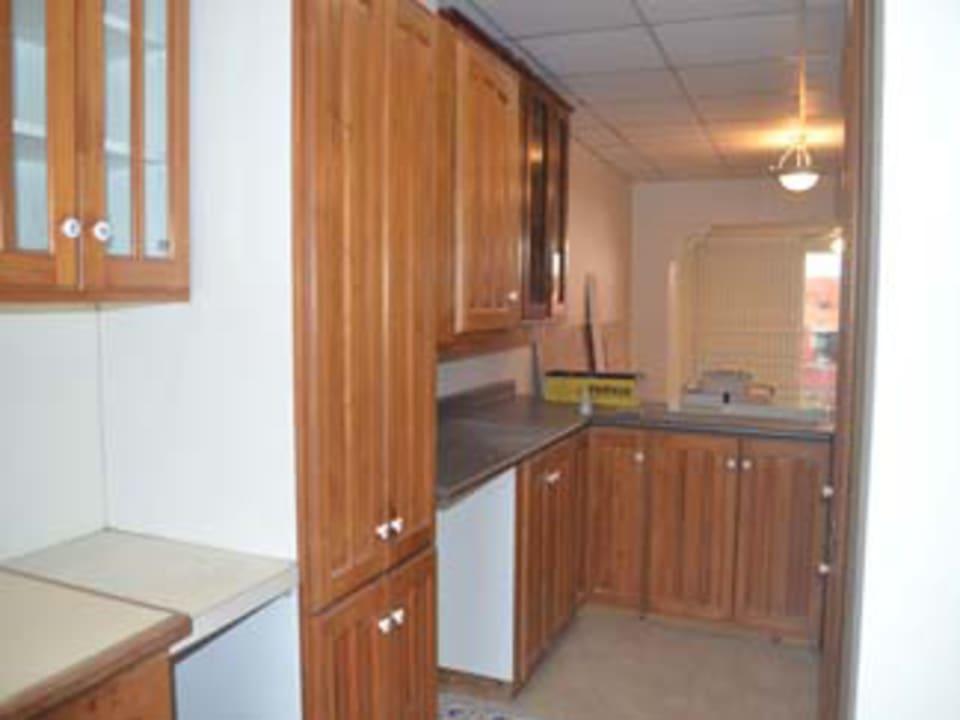 Kitchen (looking toward the open plan living room)