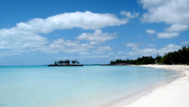 The Romantic Tourist - Bahamas