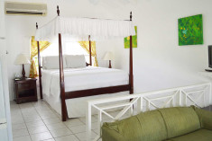 Studio - 1 Queen Bed at Oualie Beach Resort