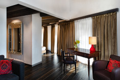 Grande & Riva Suites with Canal View at Hyatt Centric Murano Venice