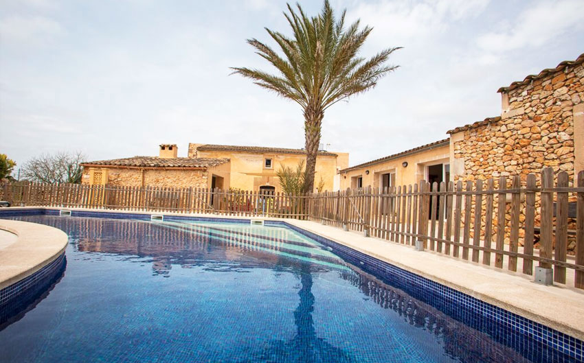 mallorcan farmhouse pool
