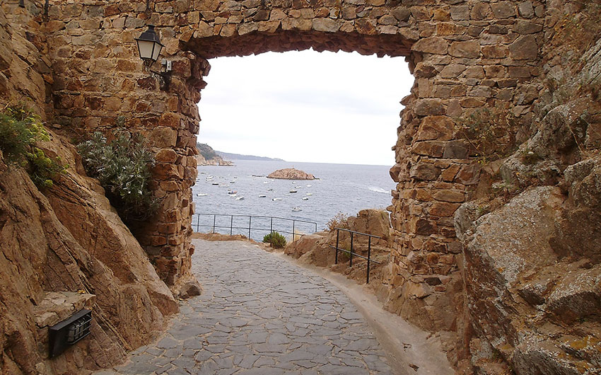 arches in spain