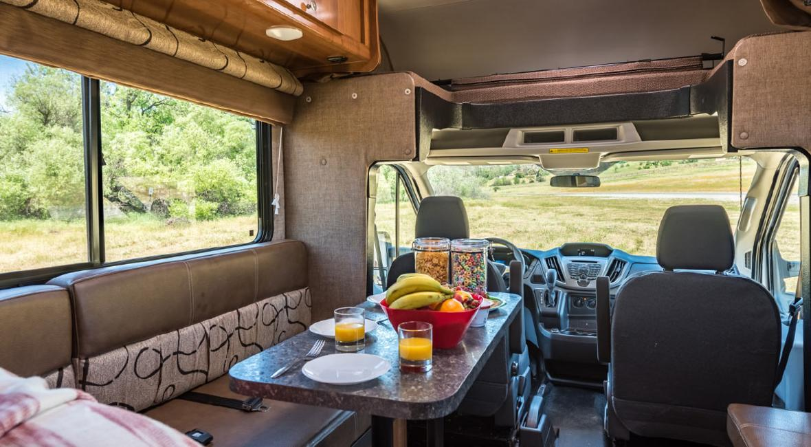 RV-21-23-4-Berth-Detail-Interior-1