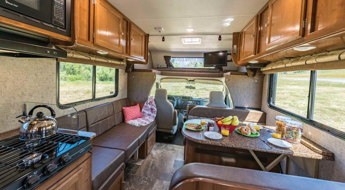 RV-25-27-6-Berth-Detail-Interior-1