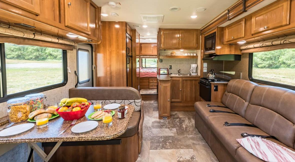 RV-28-30-7-Berth-Detail-Interior-2