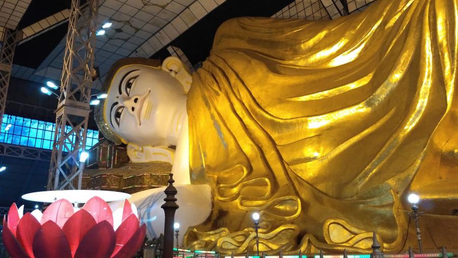Shwe Thar Hlyaung Buddha Image