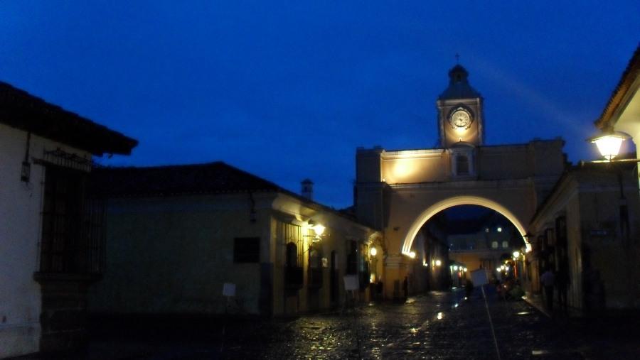 Arch of Santa Catalina avenue