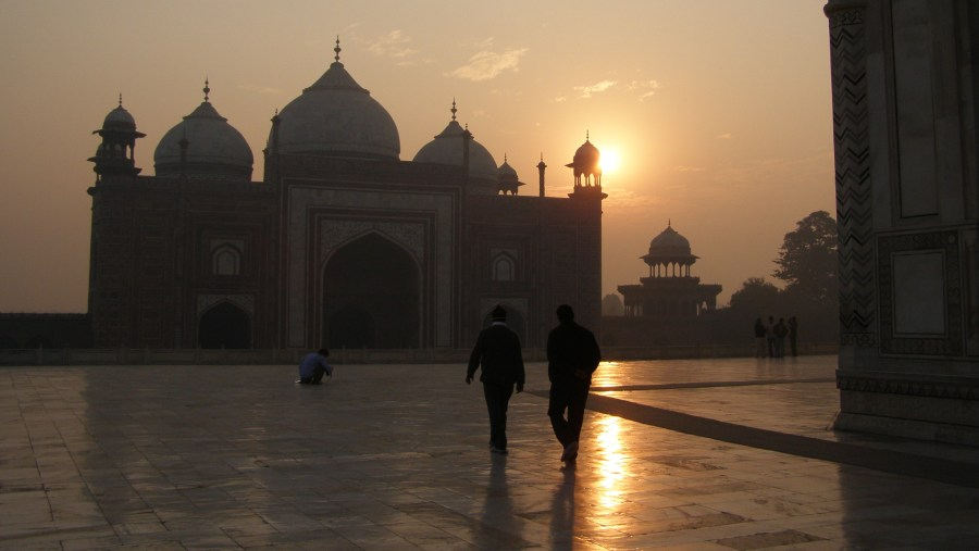 sun rise at Taj mahal
