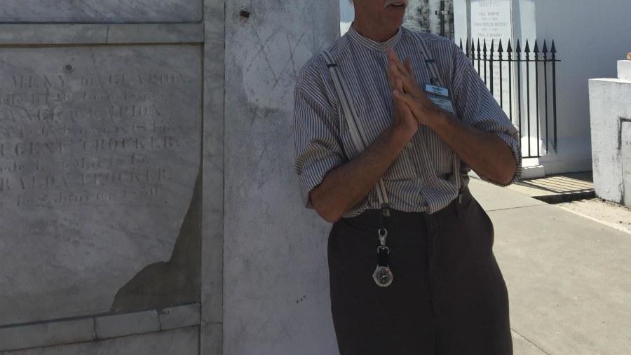 Amazing St. Louis Cemetery Tour!!!!