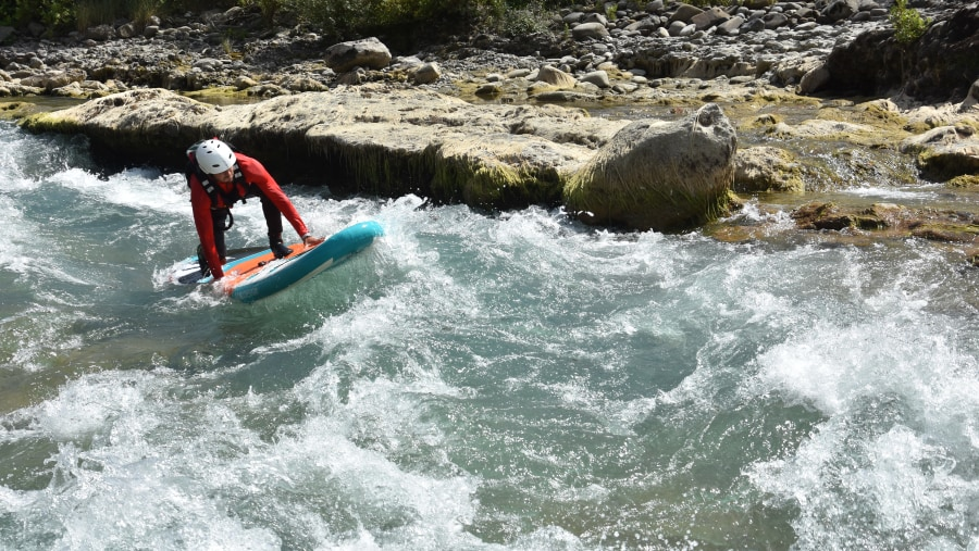 stund up paddle in Vjosa River