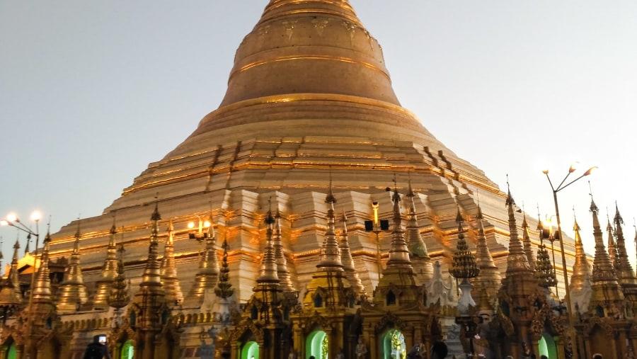 Sunset @ Shwedagon