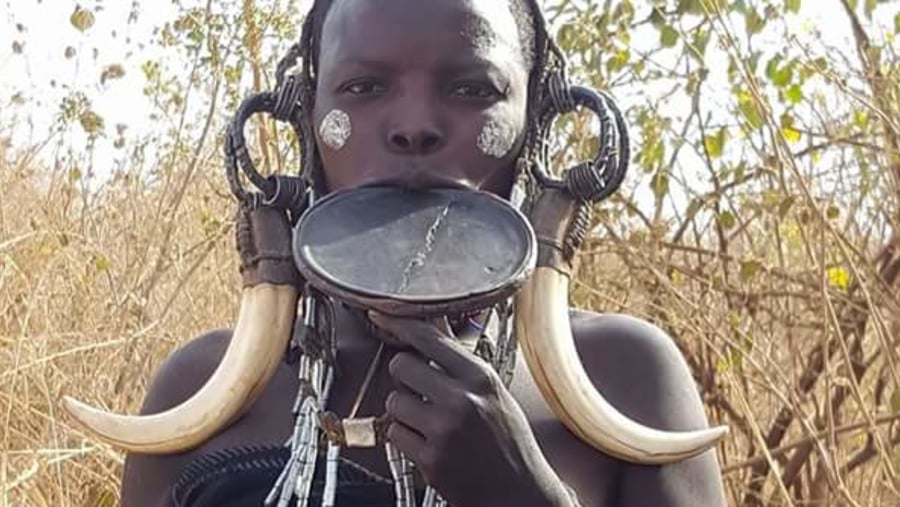 A woman from Mursi Tribe