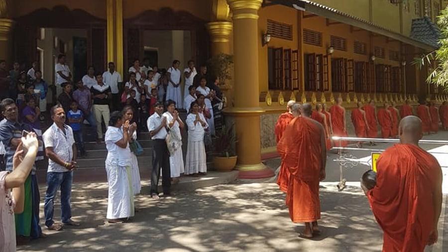 Buddhisam in SriLanka - KLM 9 Holidays