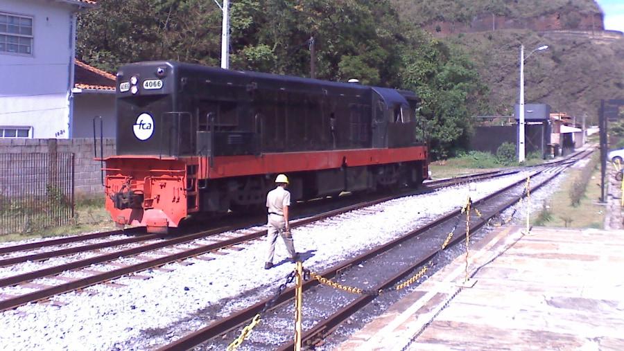 Locomotiva que faz passeio turístico até Mariana