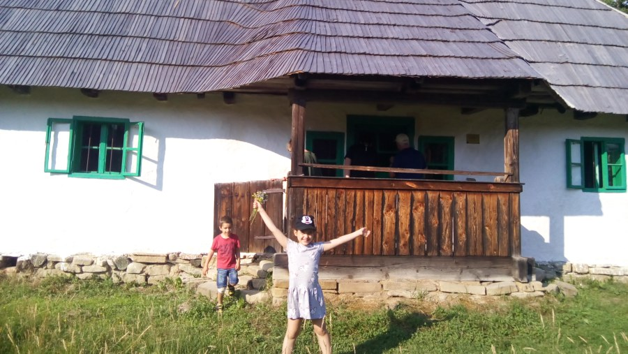 traditional Hungarian house in Maramures