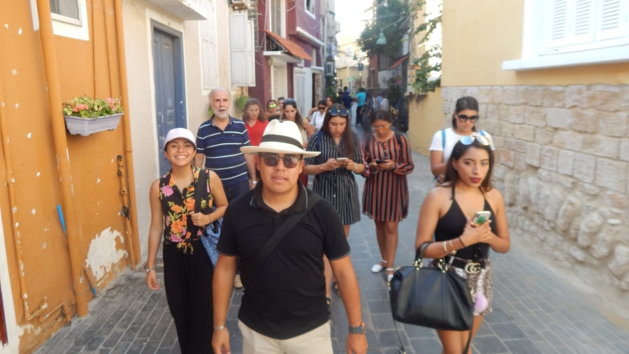 Mexican group in the old town of Tyre (2018-09)