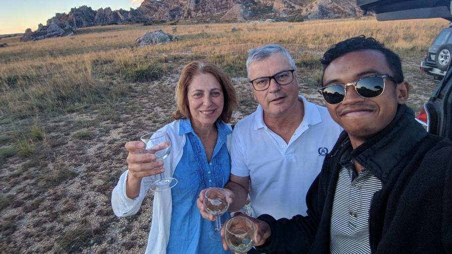 Apero, wine, couple client