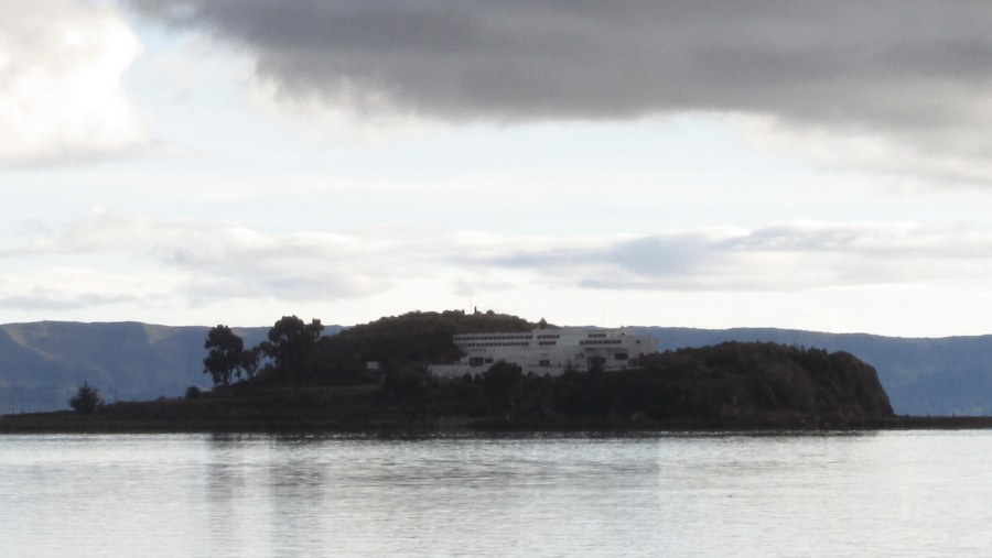 ISLA ESTEVES TITICACA LAKE