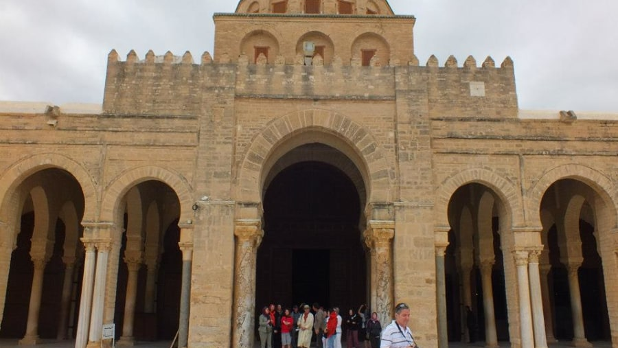 Guiding educational tour in Kairouan