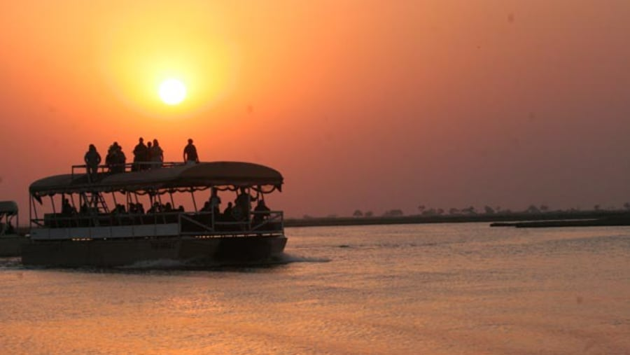 Sunset Boat Cruises above the Falls