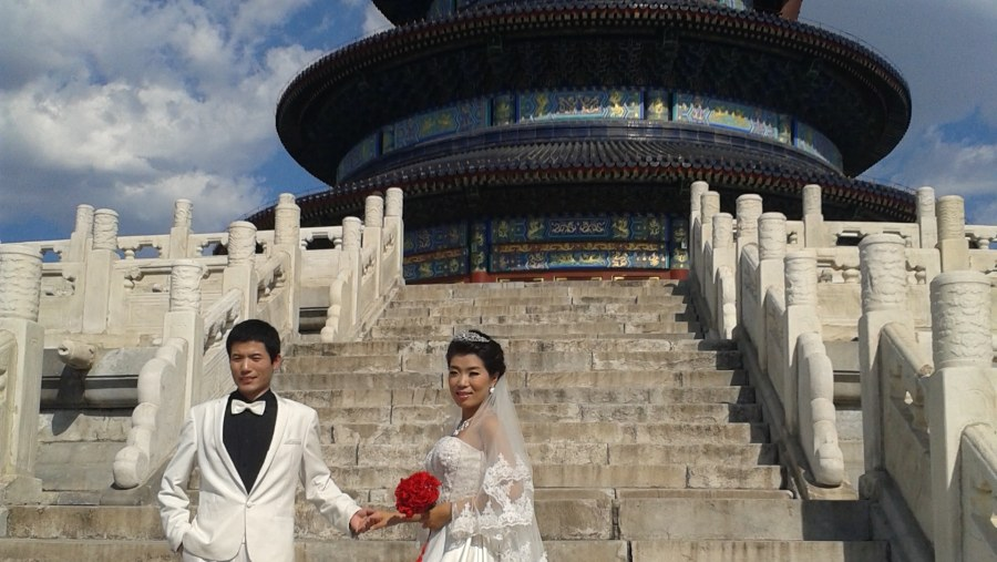 Wedding photo in Temple of Heaven