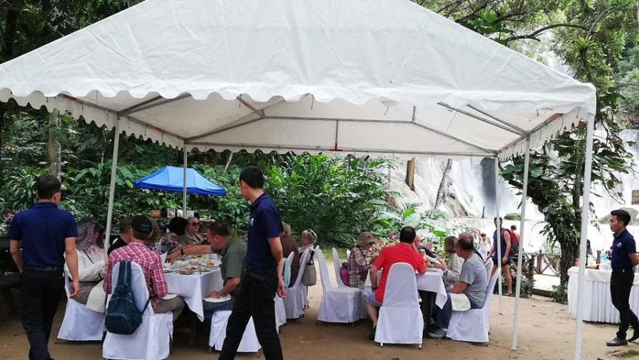 Pinic Lunch at KuangSi Waterfall