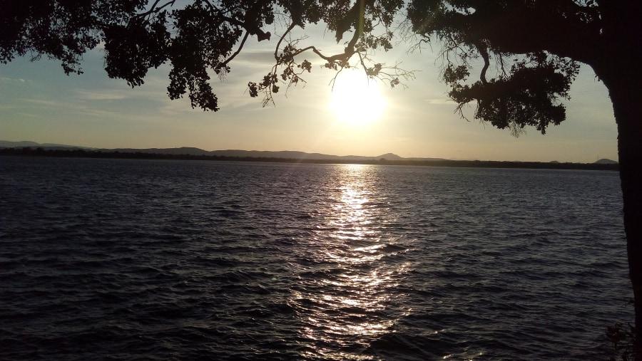 parakrama lake sunshed