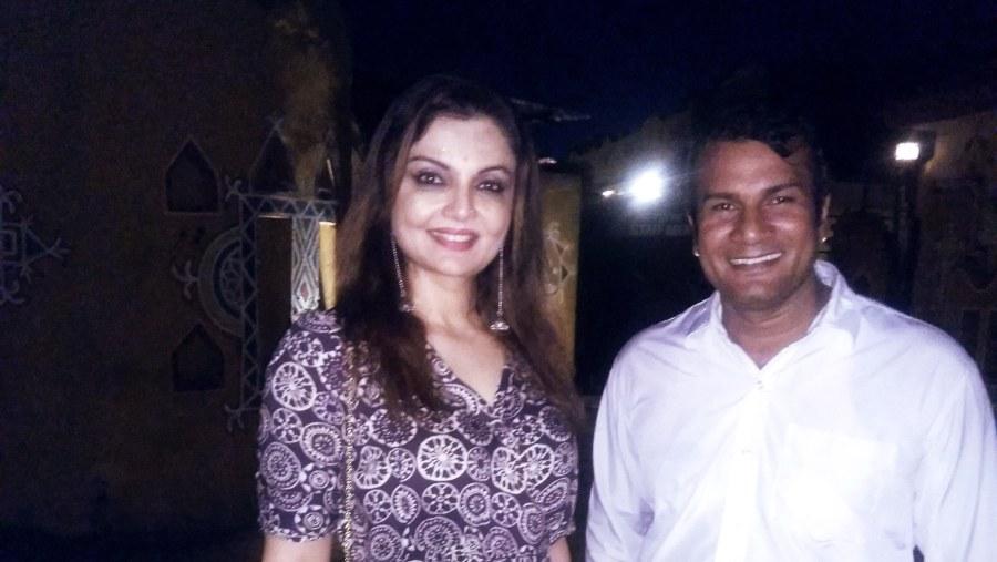 At chokhi dhani with actress Deepshikha Nagpal