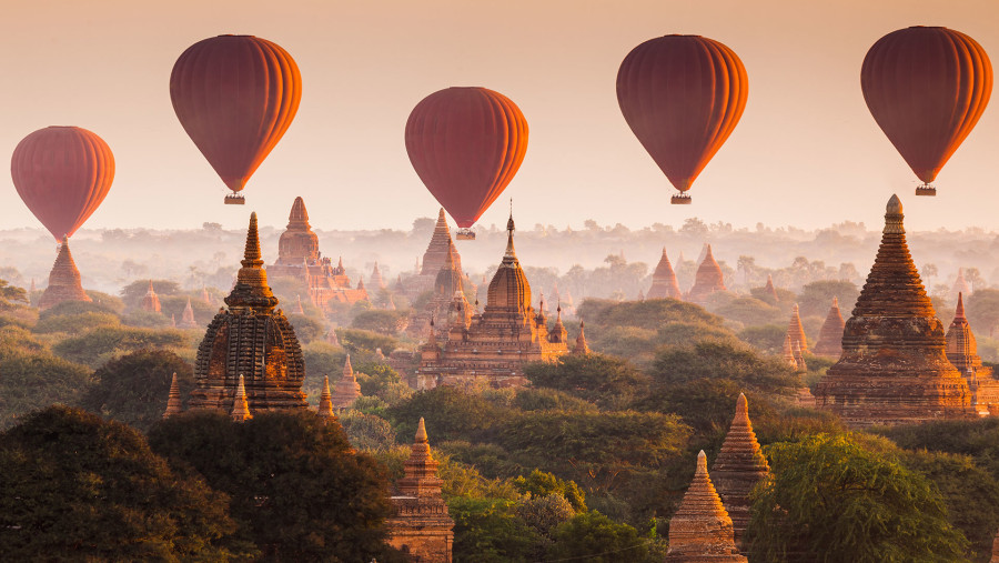 The ancient city of Myanmar is full of wonderful pagodas