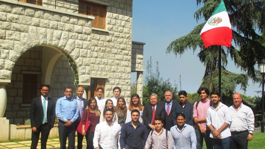 Mexican delegation from the University Tecnológico de Monterrey received in the Mexican embassy of Lebanon (2016-09)