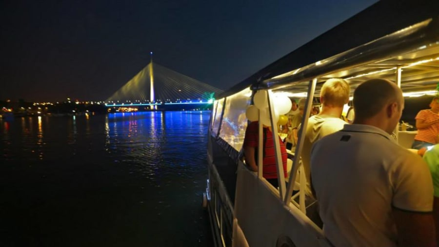 Belgrade nightlife and cruise