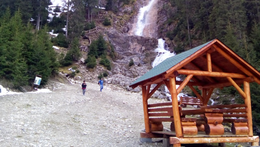 The Horses Water Fall, Gutui Mountains, Borsa
