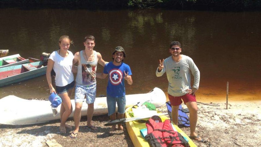 Acrossing  Urubu river on kayak