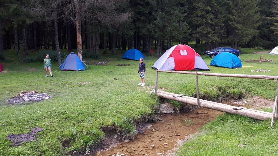 Camping in the Carpathian Mountains, Apuseni, Padis
